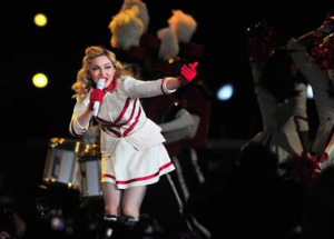 Madonna Threatens Chilean Fans Over Cigarettes