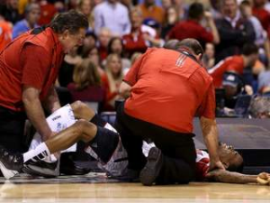 Louisville's Kevin Ware Suffers Gruesome Leg Injury