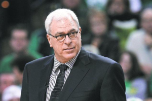 Phil Jackson Takes A Jab At Dwight Howard For Leaving Lakers